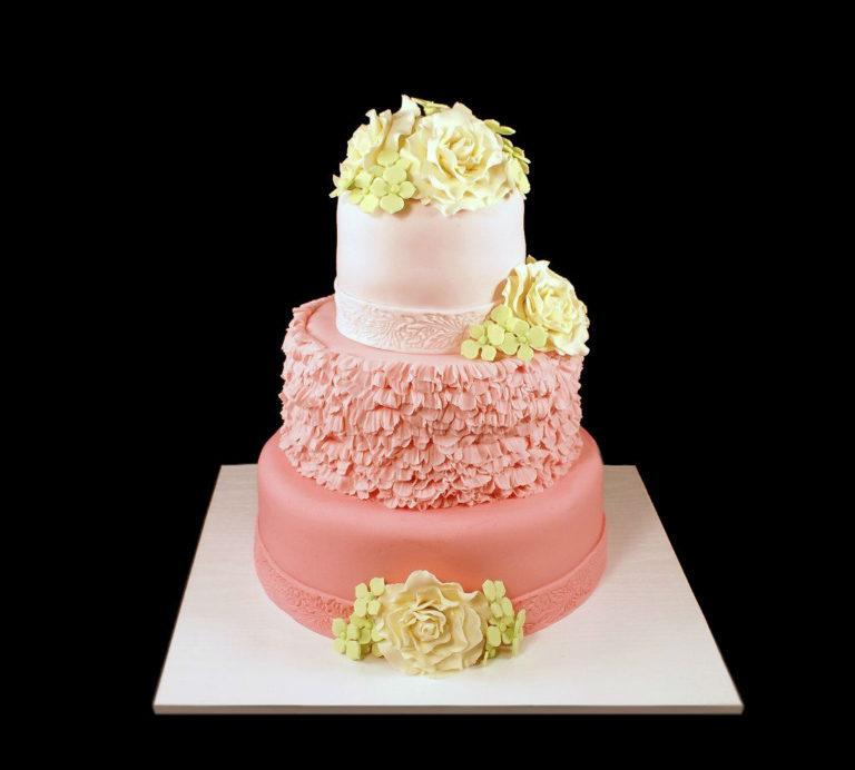Свадебный торт розовых тонах
