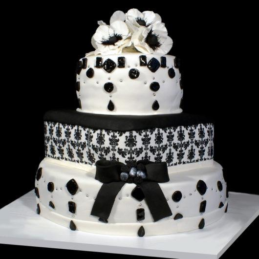 Свадебный торт в черно белых тонах