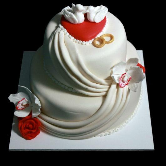 Свадебный торт с кольцами