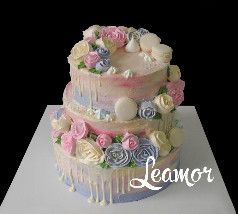Свадебный торт с цветами из крема