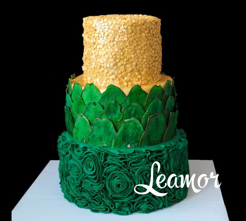 Зелено-золотой свадебный торт