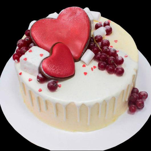 Торт круглый с ягодами